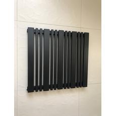Горизонтальный радиатор отопления Lucca 22/550 чёрный